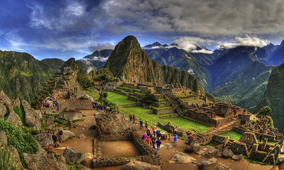 machu-picchu-and-rainbow-mountain